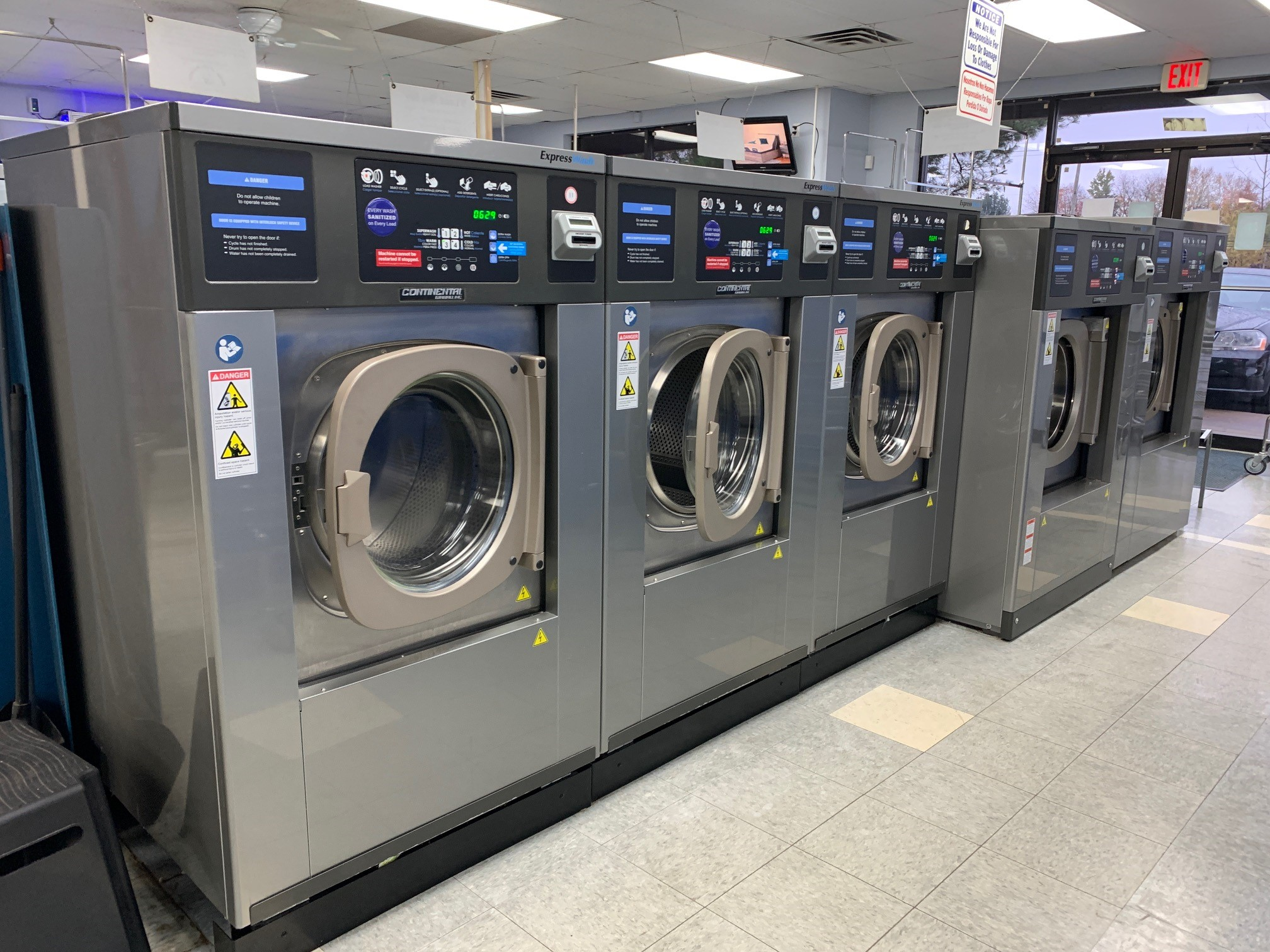 high spin speed commercial washers at laundry time stow